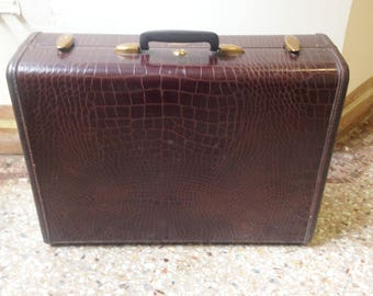 vintage faux alligator suitcase Samsonite very little wear