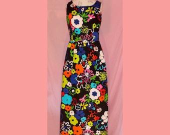 SALE Amazing GROOVY 60s poppy lanz floral maxi dress
