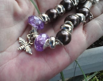 Bee among the grapes, Euro style bracelet