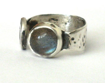 Labradorite Silver Ring, Adjustable Silver Ring, Hammered Ring, Eco Friendly Ring, Blue Ring, Textured Ring, Silver Open Ring, Stone Ring