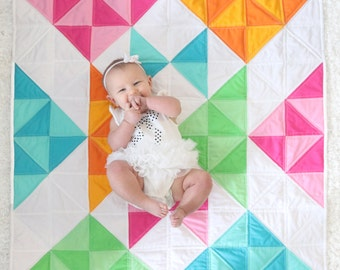 Modern Baby Quilt. Baby Quilt. Triangle Baby Quilt. Baby Blanket. -->>The Rae<<-- Quilted Baby Blanket. Modern Quilt. Pink Quilt. Baby Girl