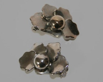 1960s Clip On Earrings All Silver Flower Petals