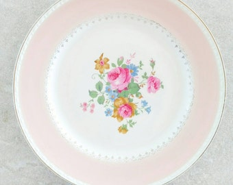 Homer Laughlin Georgian Eggshell Dinner Plate Marilyn Pink 10 Inch Diameter Pink Rim Floral Center Pink Peonies Green Leaves Gold Trimmed