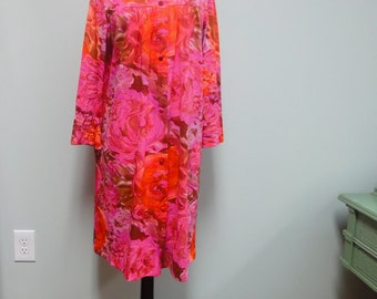 1960s Hot Pink Vanity Fair Short Robe, Rose, Hydrangea Watercolor Floral