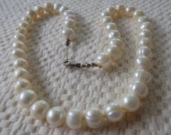 Vintage necklace, 9 mm. baroque white pearl 18 inch necklace,individually knotted