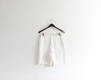 White Linen 90s Shorts