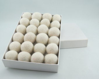 40 Felt Balls, 1 cm, Ivory (can be dyed)