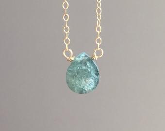 Aquamarine Necklace - Dainty Gold Aquamarine Necklace  - Raw Crystal Necklace - Aquamarine Jewelry  - Aquamarine  - March Birthstone