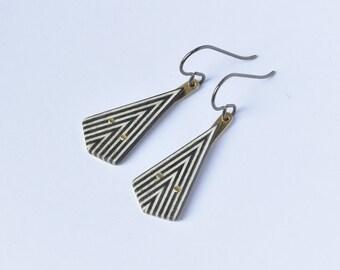Triangle jewelry geometric, black and white, titanium hooks earrings
