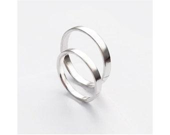 Rein Rings - Minimalist Wedding Band Set