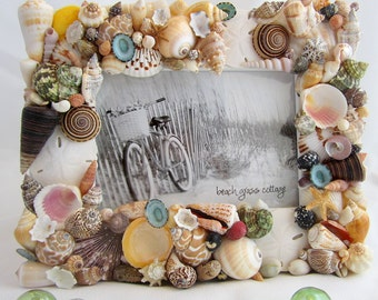 "Seashell Frame, Beach Decor Shell Frame, Nautical Colored Seashell Frame - 5x7"""
