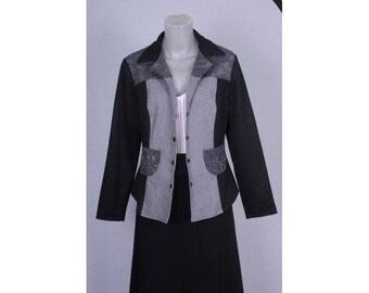 Shaped jacket with lace