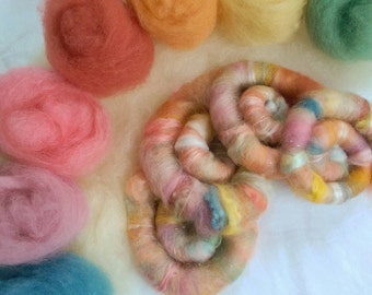 Naturally dyed 'Oh Spring, I love you so!' Art Batt or Rolags, textured roving