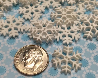 5 small flat snowflake buttons, 16 mm (B2)