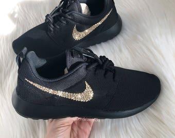 Nike Roshe femmes courir fait avec des cristaux de SWAROVSKI® - noir/noir