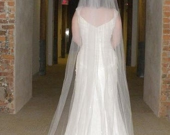 Wedding veil - 72 inch Floor Length Veil with a cut edge