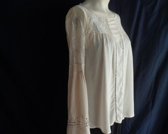 Vintage blouse cream XL lace inserts long sleeves hippy medieval