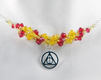 """HP Wizard House Lion Beadweaving Necklace """"Courage"""""""