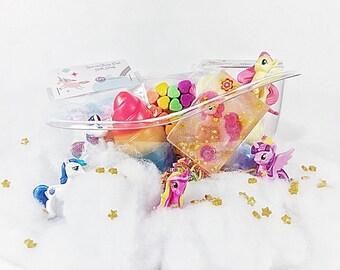 Unicorn gift set, unicorn spa gift, gift for kids, birthday gift, unicorn bath bomb, unicorn soap, bath bomb, valentine's day gift, gift
