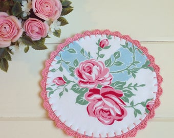 pretty vintage pink roses doily