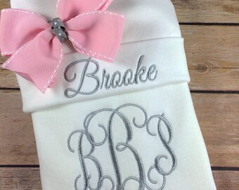 Personalized Take Home Outfit, Monogram Baby Gown Hat, Newborn Girl Outfit, Baby Girl Coming Home Outfit, Baby Shower Gift Baby Shower Gift
