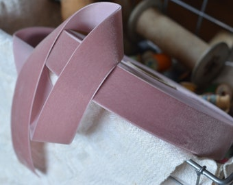 11 yard roll of dusty rose mauve velvet ribbon