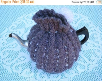 ON SALE Vintage Tea Cosy - Purple with Pink Pom Pom - Vintage Style for your teapot.