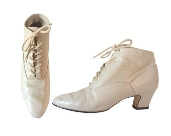 White Granny Boot Lace Up Boot Women Boho Boot Women Boot Size 6 Ivory Leather Boot Bohemian Boot Leather Ankle Boot French Heel Shoe Ladies