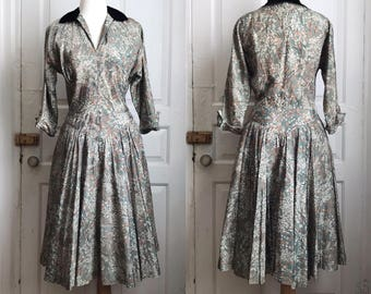 1940s / 40s R&K Originals Taffeta Floral Print Dress with Silk Velvet Collar and Full Skirt / Medium