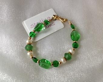 Green Bracelet, Gold Filled Bracelet, Green White Bracelet, Freshwater Pearl Bracelet, Bracelet, Handmade, OOAK, Everyday Jewelry, SDJ2012