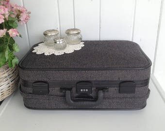 "Skyway Tweed Luggage Suitcase Charcoal Gray Black ... Black Interior Combination Lock Great Extra Storage w Wheels 21"" x 14 x 9"" Not Perfect"