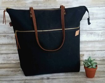 Waxed canvas zippered tote in black