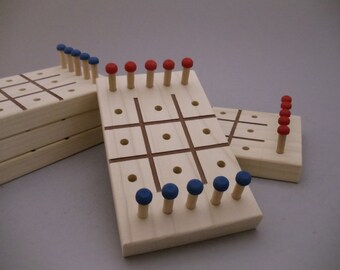 Tic Tac Toe - travel game - wood game - vintage game - classic game