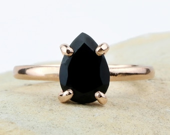 SUMMER SALE - Rose gold ring,onyx ring,black ring,fashion ring,gemstone ring,teardrop ring,stack ring,stackable rings