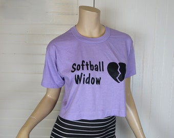 """80s Novelty Cropped T-shirt in Lavender- Vintage Broken Heart- """"Softball Widow""""- Small / Medium- Screen Print- Humor / Funny / Ironic"""