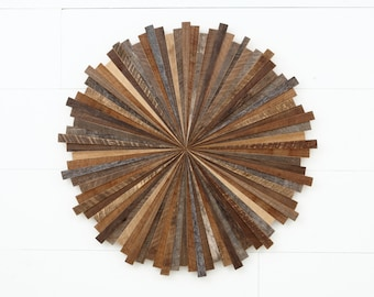 Starburst wood wall art, made with old reclaimed barnwood, Different Sizes Available. Large wall art, wood wall sculpture