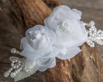 White flower hair slide wedding, Bridal Hair clip, Bridal flower headpiece, White fascinator, Hair slide organza flowers & pearls, Postiche