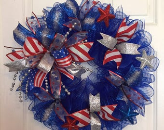 """22"""" Patriotic/4th of July Deco Mesh Wreath with Multicolor Bow - Blue"""