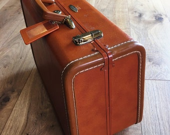Vintage Taperline small leather luggage, key and tag, Taperline overnight case