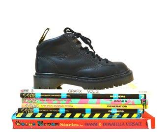 Erstaunlich, 90er Jahre schwarz Dr Martens Stiefel Frauen 6 Größe 6 1/2 7 / / Jahrgang Doc Marten Black Boots UK Größe 4 hergestellt in England