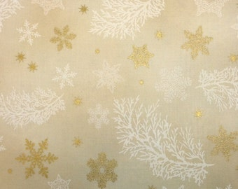 Robert Kaufman - SNOWFLAKES AND PINE (Natural) - 100% Cotton Premium Quality Fabric - Per 1/2 Yard