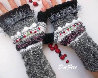 Women Size M Gloves Ready To Ship Bohemian Fingerless Boho Mittens Hand Knitted Cabled Striped Accessories Wrist Warmers Winter Arm 1170