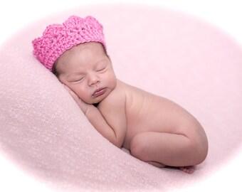 Crochet baby crown photo prop Gender Pregnancy reveal pink blue white newborn 0-3 month