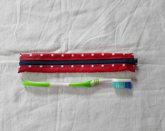 Pouch / Holster toothbrush red oilcloth with white stars (2)