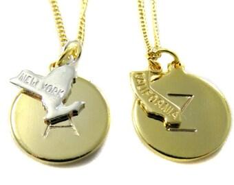 Nichoir bijoux - lettre et état sur chaîne en or