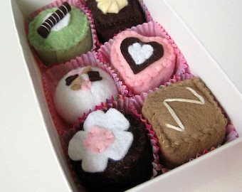 Chocolate Truffles Valentine's Wool Felt Play Food Box Set