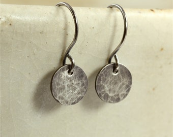 Small Hammered Silver Disc Earrings, Oxidized Silver Earrings, Sterling Silver Earrings, Hammered Silver Earrings, Southwestern Earrings