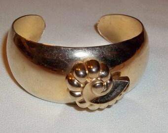Vintage CORO Cuff Bracelet - Goldtone, Conch Accent, 1516