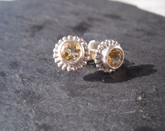 let the sun in your ear! Earstuds, orange, yellow, citrine, faceted, ball, birthday, gift