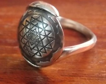 Sri Yantra Ring ,Sri Yantra  Silver Ring  925,Coin Ring, Sri Yantra  925, Spiritual Jewelry, Mandala Ring,  Spiritual  Ring, harmony Jewelry